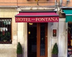 Hotel Fontana main entrance